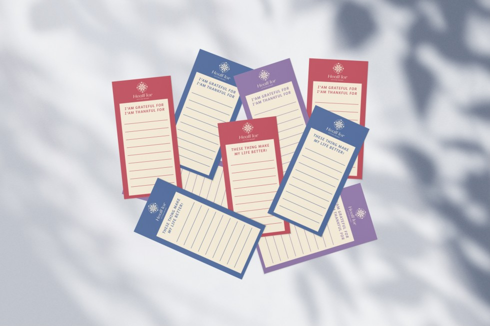 The List Activities Cards, give you a place to write down your daily routines, to help you realize what kinds of activities can make you feel joy. You can also express the thing that you are grateful and thankful for.