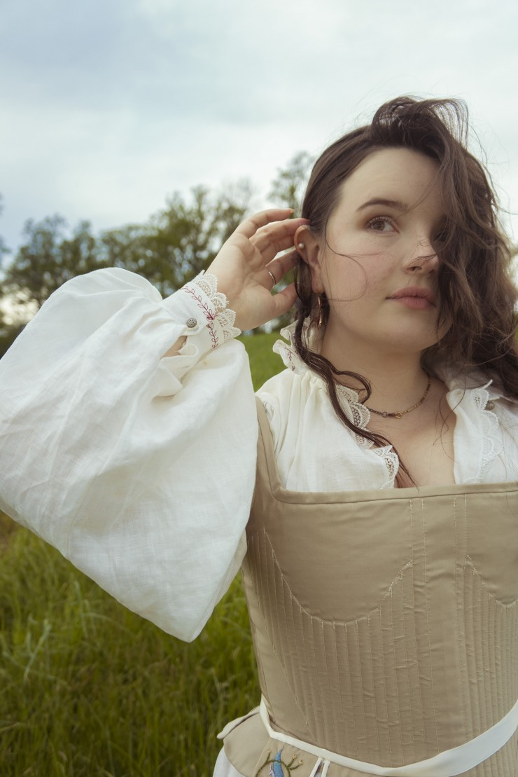 Linen chemise and silk bodies with synthetic whalebone and a wood-burned busk inserted; based on an extant Elizabethan pair. Photography by Evelyn Ivy