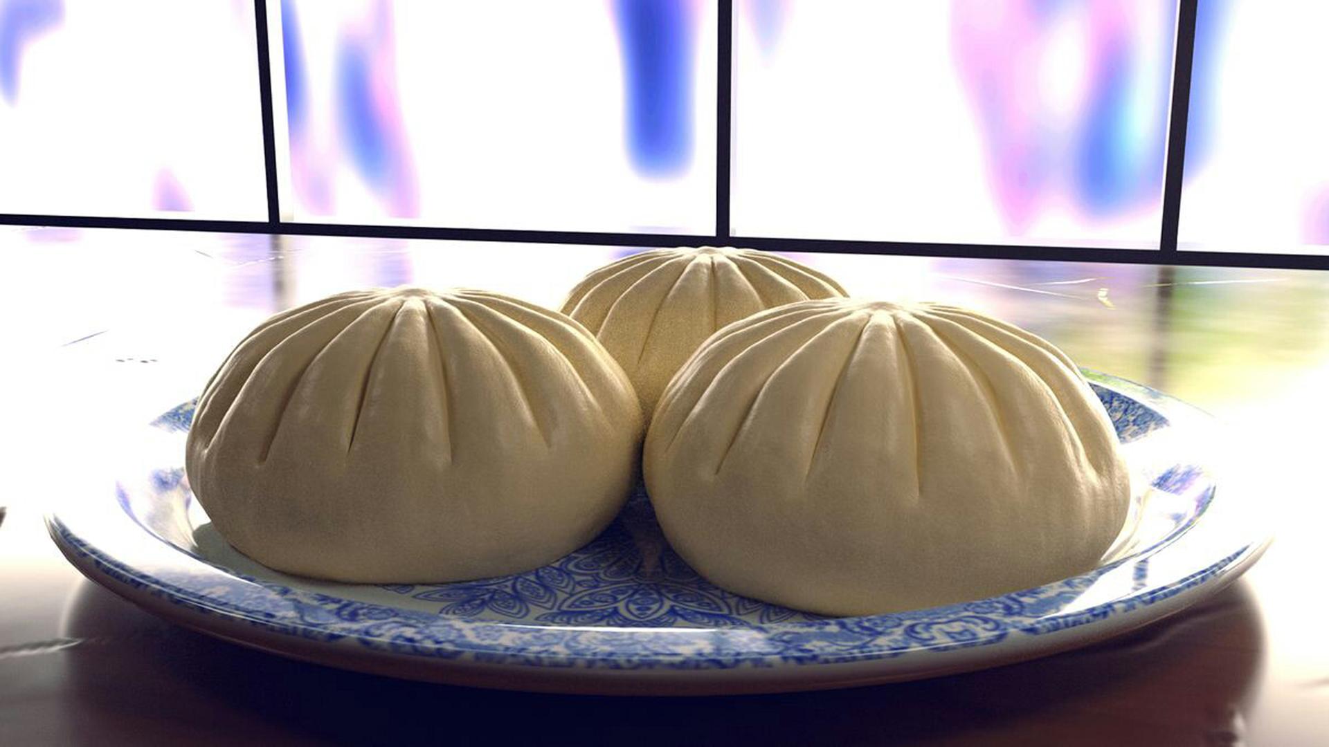 Baozi on a porcelain plate